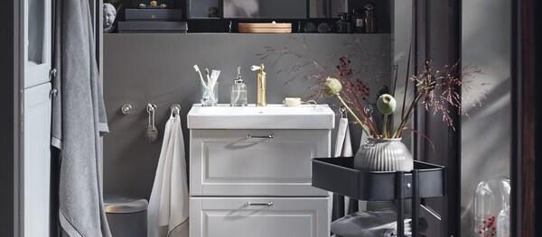 Kodikas GODMORGON-sarja kaunistaa kylpyhuoneen.
