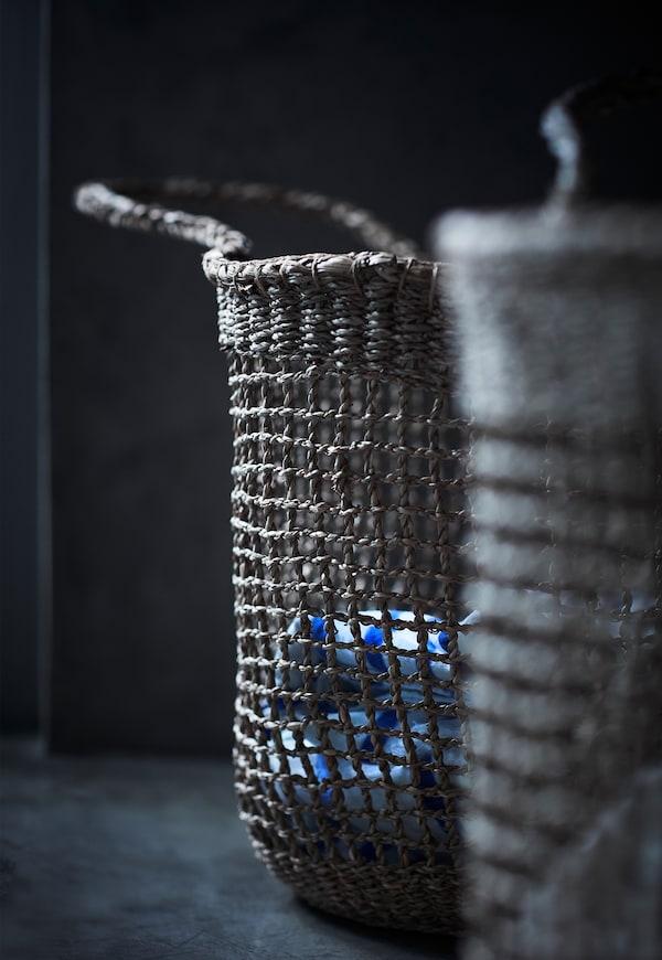 Košík z mořské trávy, kolekce TÄNKVÄRD