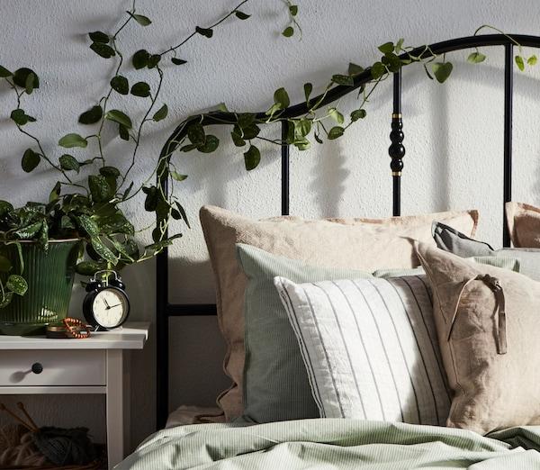 Cinci moduri în care poți invita natura la tine în dormitor