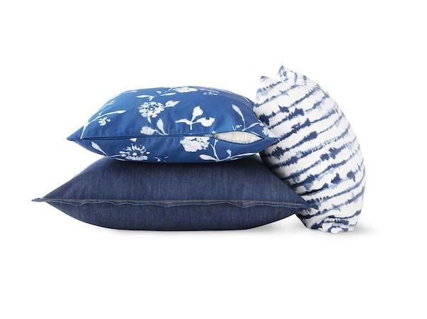 Cushions & cushion covers.