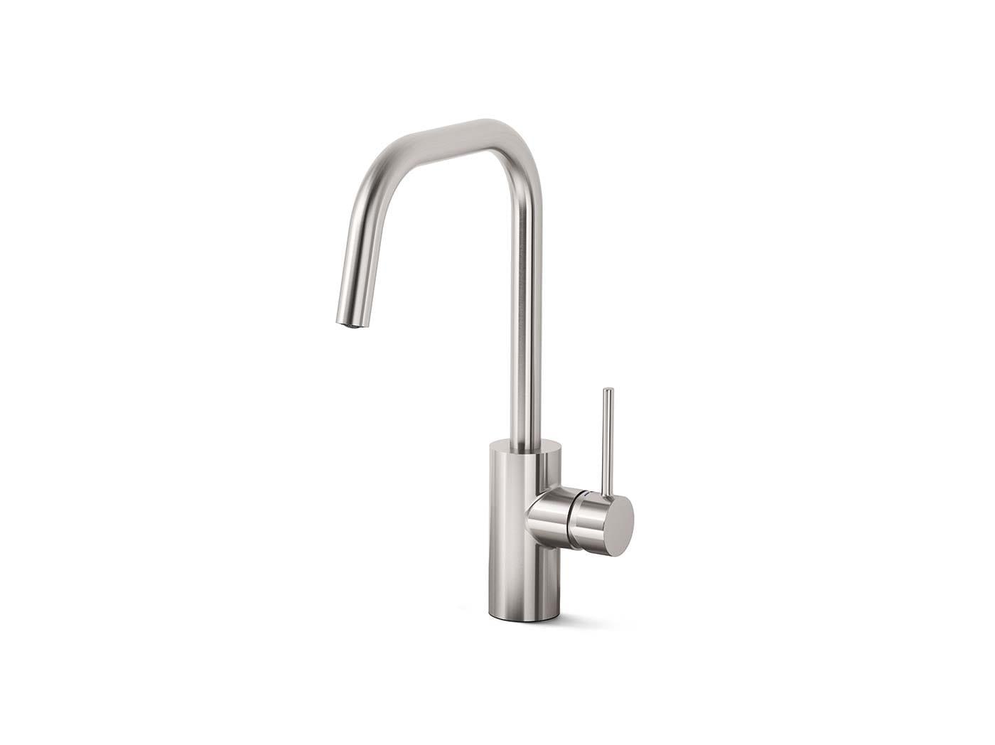 Kitchen taps & sinks.