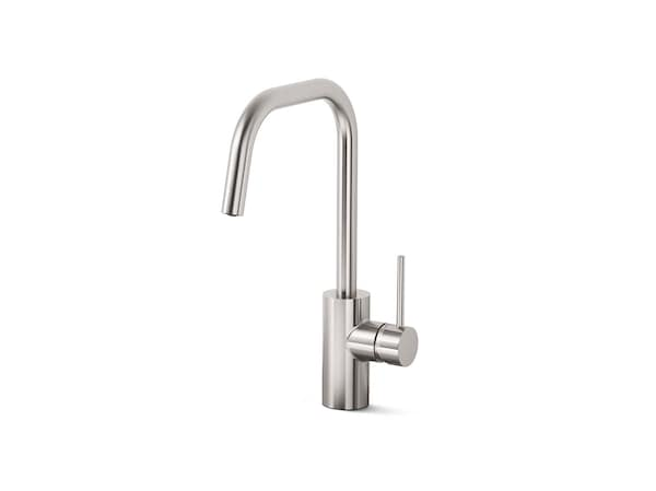 Kitchen taps & sinks.