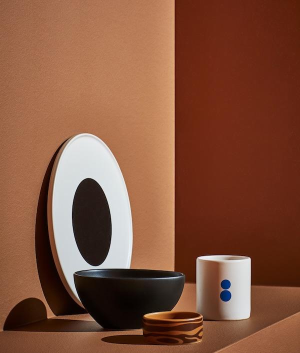 FÖRNYAD, sada 4 ks nádobí, velký talíř připomíná velké oko Darcela Disappoints