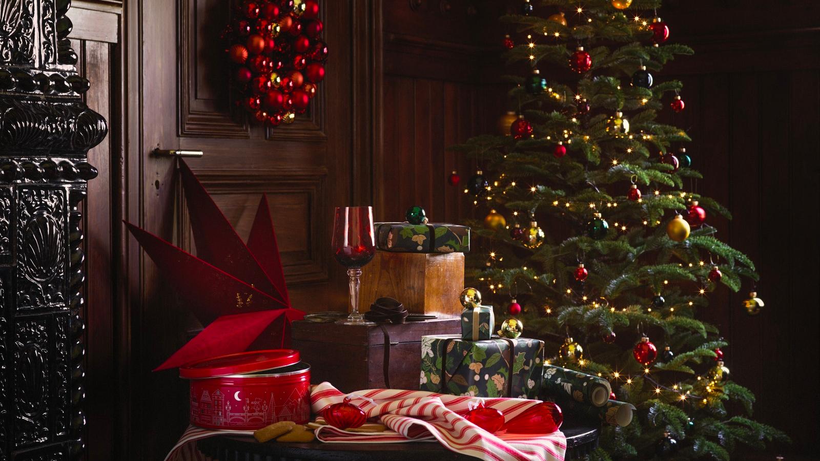 Jusqu'à – 50 % sur une grande sélection d'articles de Noël