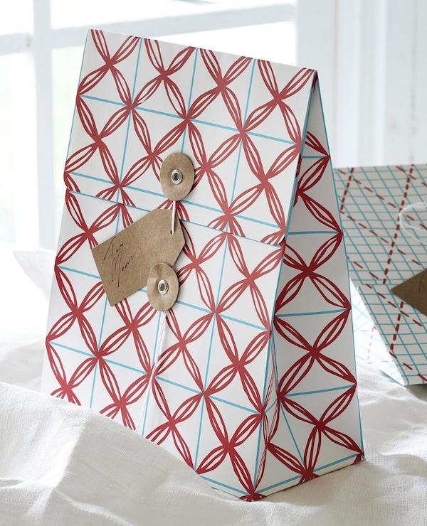 VINTER 2019 Bolsa regalo Navidad, blanco, azul con diseño, 10x26 cm/2.5 l