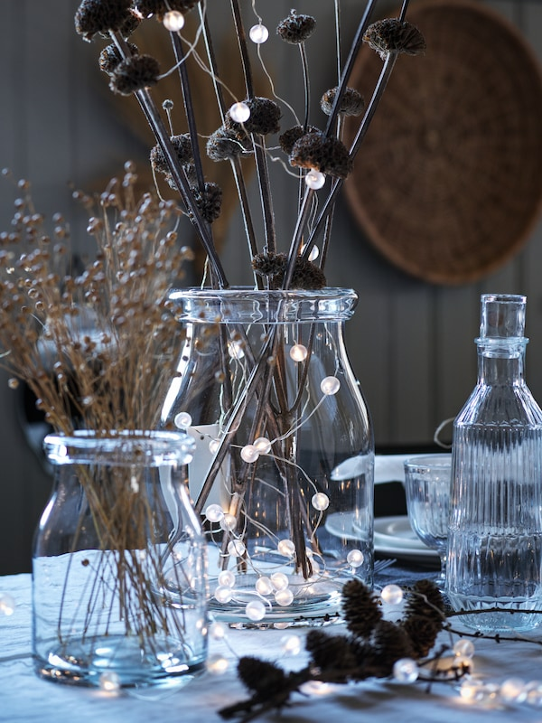 A beautiful SKOGSTA table, dressed for a family feast in Autumn.
