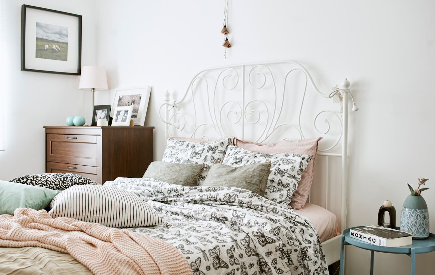 Use textiles to give your bedroom a fresh new look - IKEA