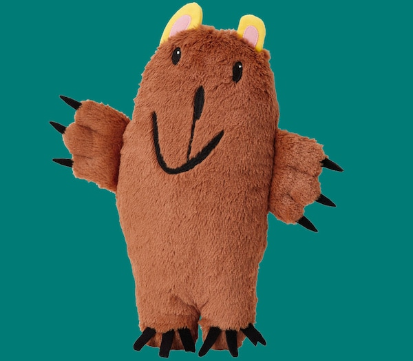 A brown bear soft toy from the SAGOSKATT Collection against a teal background.