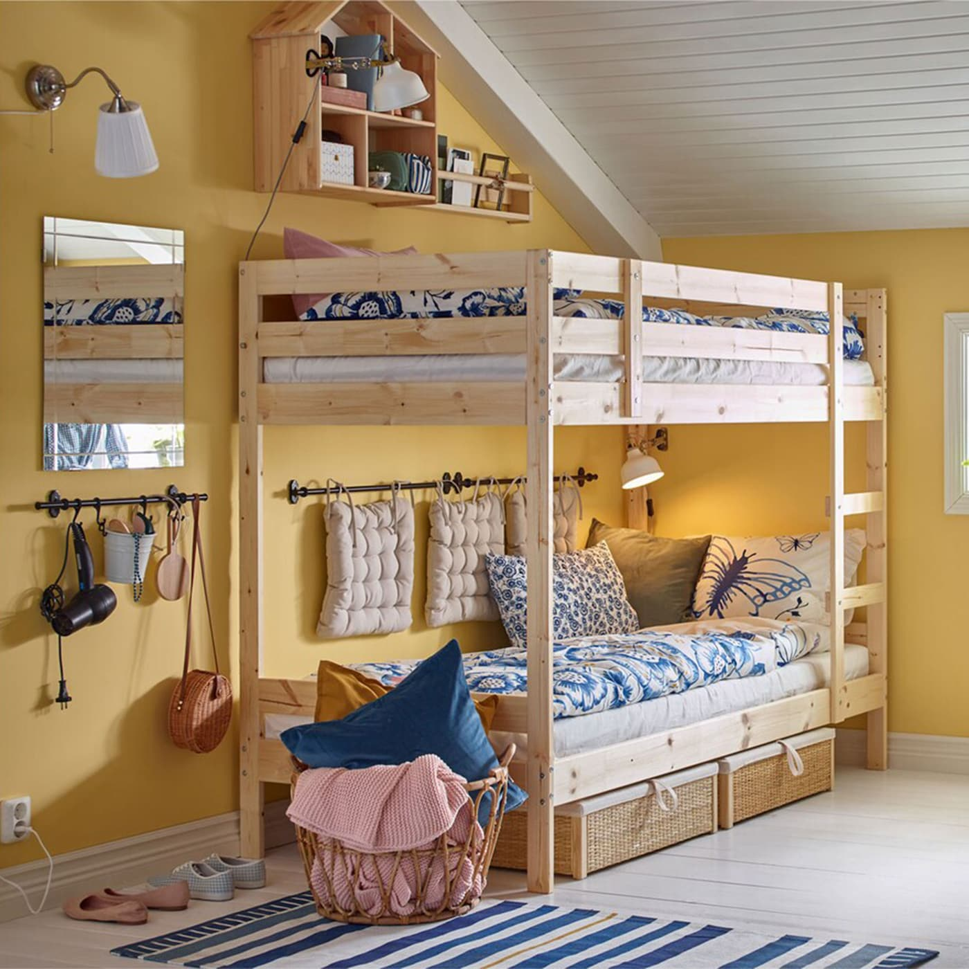 Small Bedroom Design Ideas For Kids Rooms: Getting Big Ideas Into A Small, Shared Bedrooms