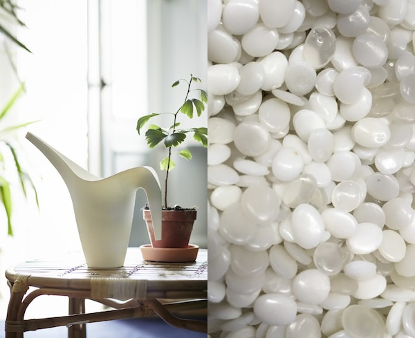 A fotón PET műanyag golyók, mellettük fehér műanyag locsolókanna láható, amely újrahasznosított műanyagból készült.
