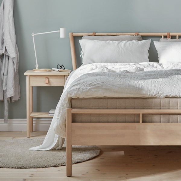 A guide with useful tips about bed frames to help you choose the best bed for you.