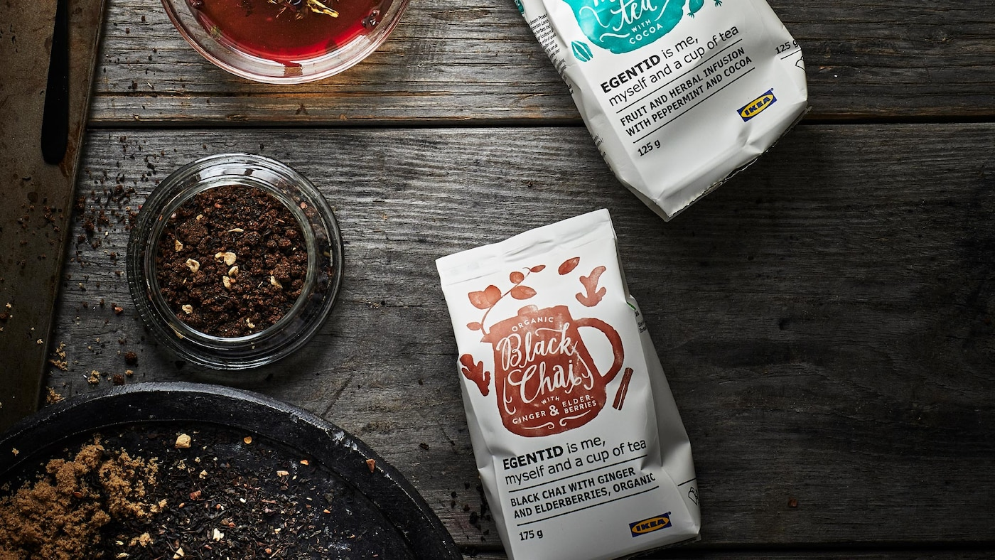 A picture showing two coffee bags from the IKEA EGENTID tea series, which is UTZ certified for sustainable farming.