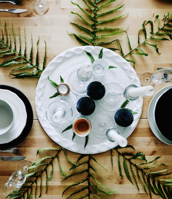 A seasonal dining centerpiece perfect for winter dinner parties.