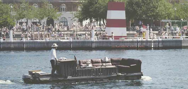 a-shared-living-room-on-the-river-in-copenhagen