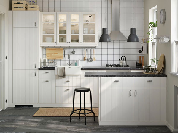 Clean and bright outside and in ikea - Ideas cocina ikea ...