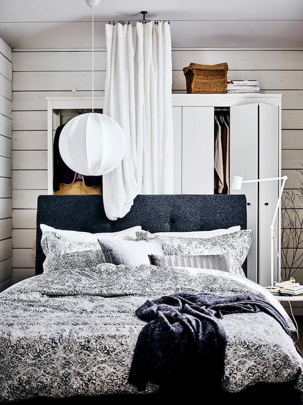 A step-by-step guide on how to plan and decorate a bedroom.
