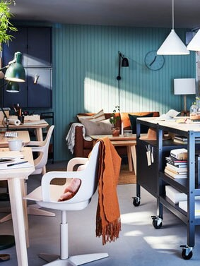 A stylish and flexible workspace at home.