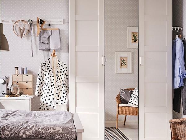 IKEA PAX armario 10 años de garantía. Consulta las condiciones generales en el folleto de garantía.