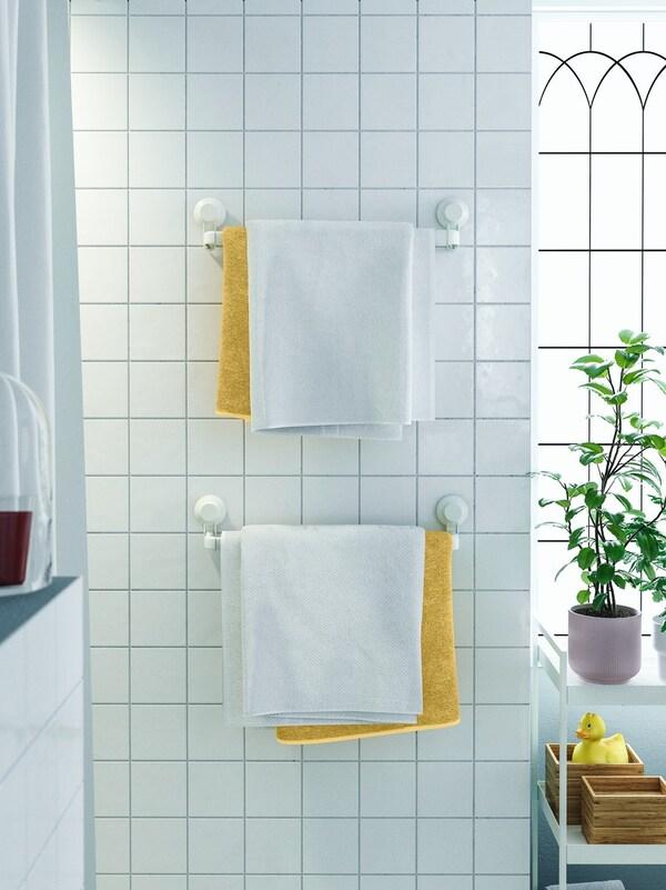 accesorios con ventosa para tener más espacio en el baño