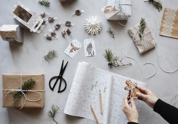 Adornos navideños para crear regalos con un toque especial
