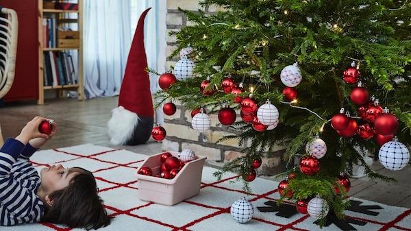 Adornos para árbol de Navidad en rojo y blanco
