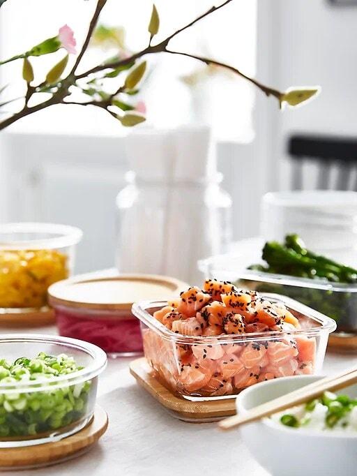 Ahorra en comida: envasa y reutiliza sobras.