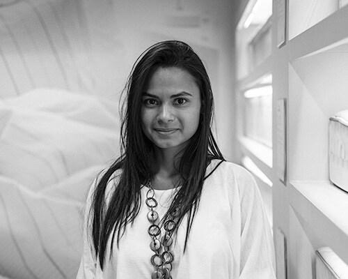 Aline, 25 anos, Brasil