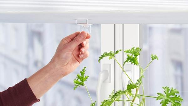Alle IKEA Rollos sind frei von Schnüren. Das macht dein Zuhause sicherer.