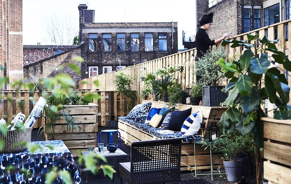 A Cosy Terrace That S Perfect For Outdoor Entertaining Ikea