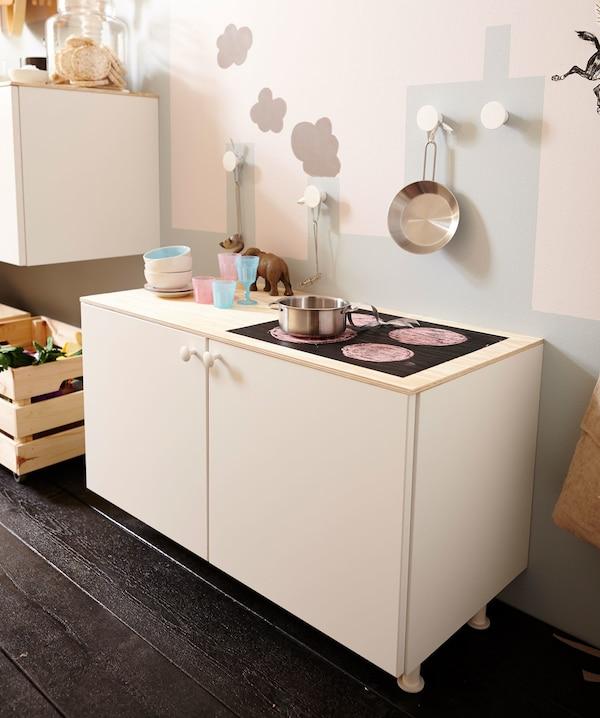 Armarios de cocina METOD en blanco.