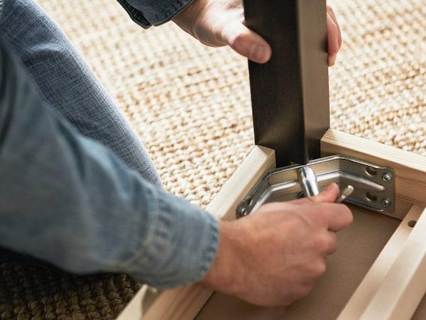 Assemblying furniture