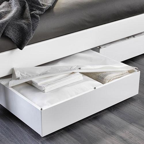 Ищете место для хранения вещей? Задействуйте подкроватное пространство! Защитить вещи от пыли вам помогут на ящики для хранения одежды под кроватью.
