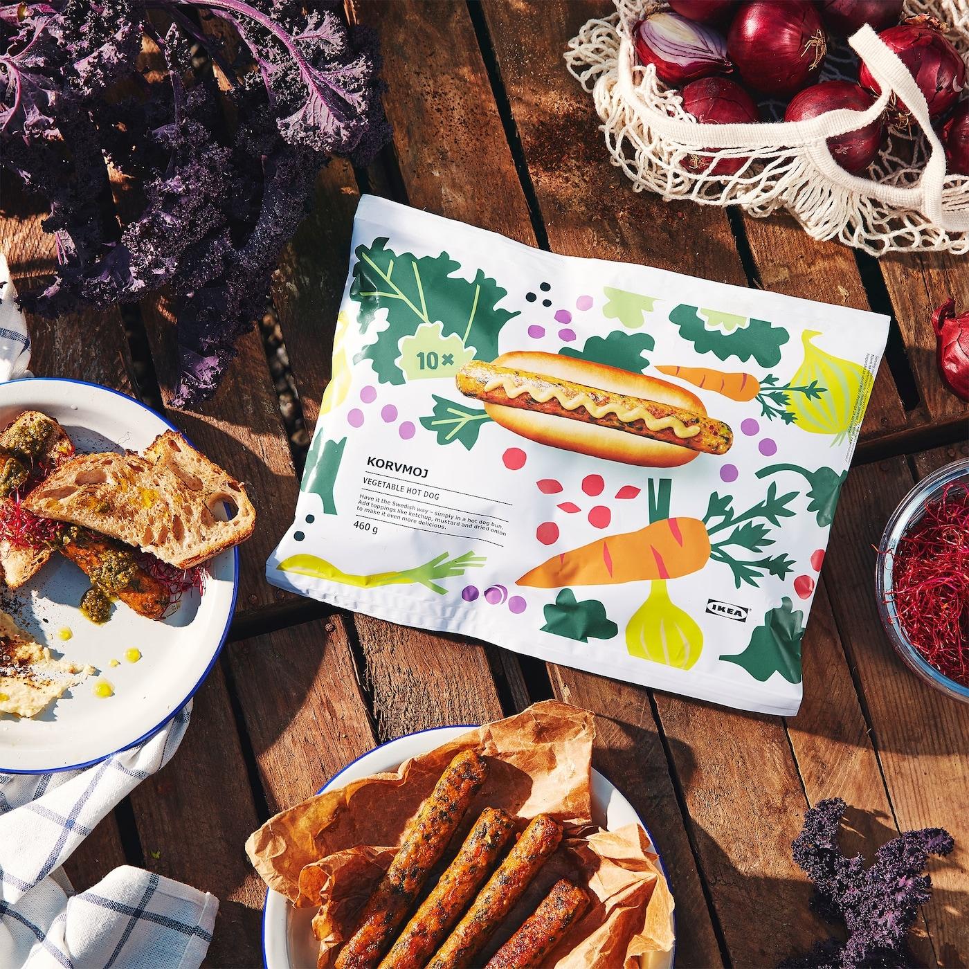 Balení vegetariánského hot dogu KORVMOJ a návrhy, s čím hot dog podávat
