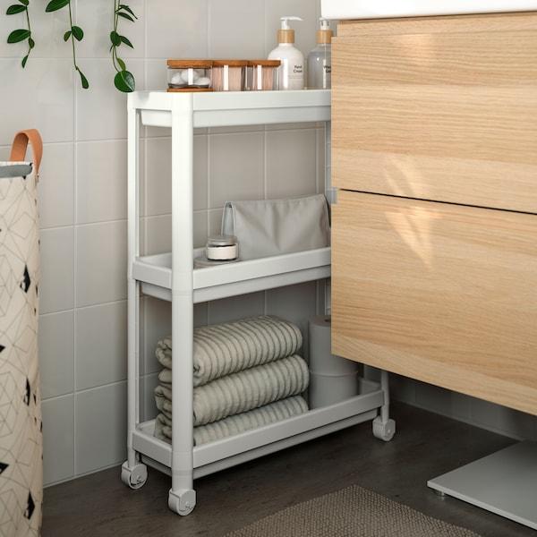 Bathroom tips on how to furnish a small bathroom.