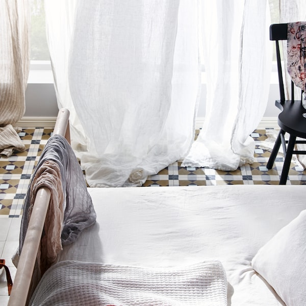 Bedroom tips to stay cool in the heat.