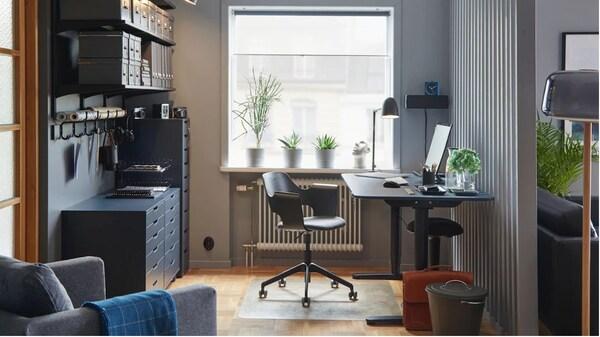 BEKANT skrivebord