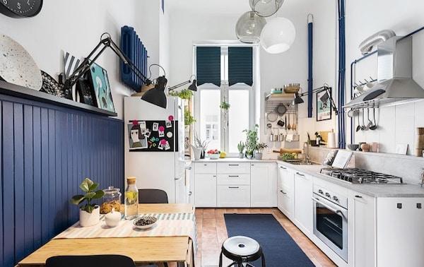 biało-niebieska kuchnia