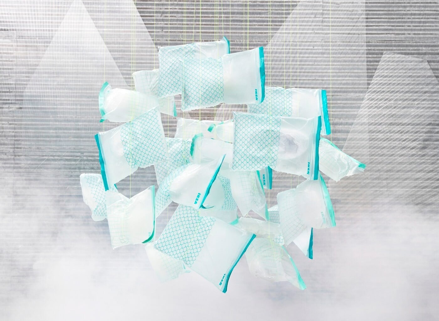 Bild der vielseitigen wiederverschließbaren ISTAD Kunststoffbeutel, die jetzt aus Bio-Kunststoff hergestellt werden, der erneuerbar und recycelbar ist.