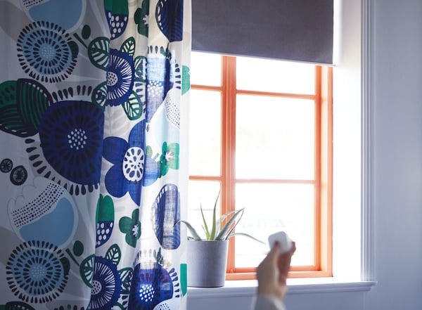"""Blackout roller blind, wireless, battery operated gray, 48x76 ¾ """" (122.0x195 cm)"""