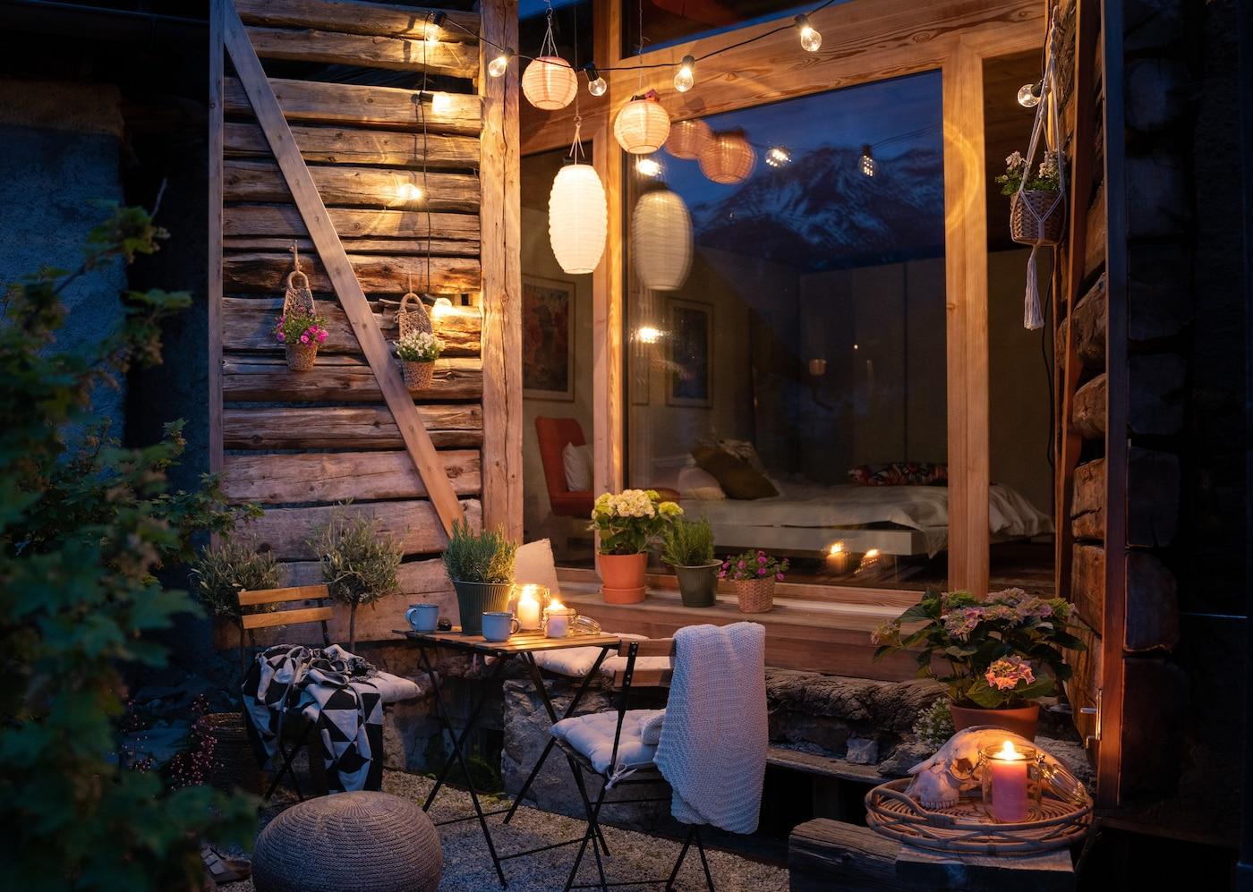 Bring mehr Gemütlichkeit auf deinen Balkon – von Morgens bis Abends