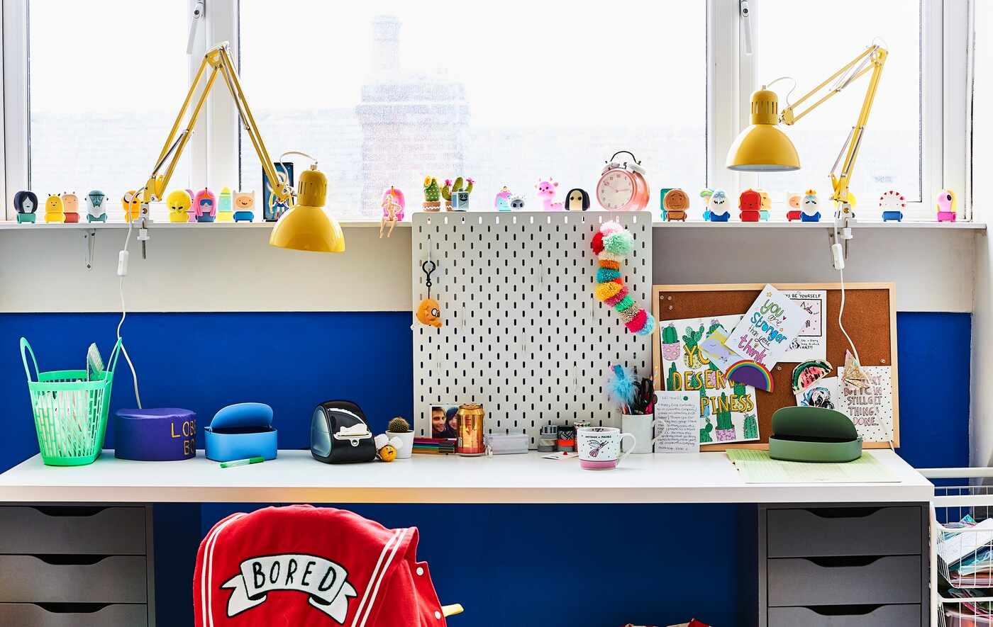bureau domicile avec espace cr atif ikea. Black Bedroom Furniture Sets. Home Design Ideas