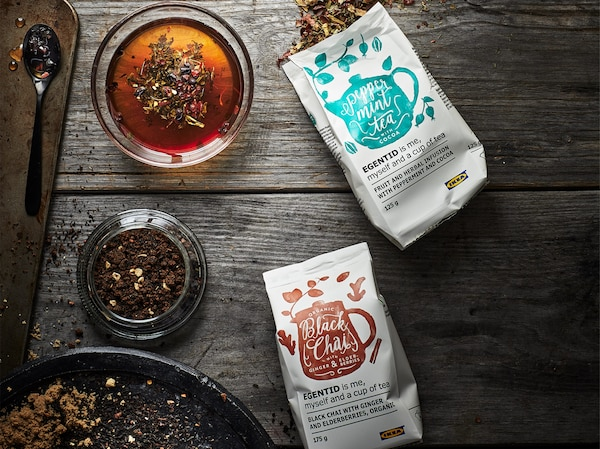 By choosing our UTZ certified coffee, tea and cocoa products, you contribute to sustainable farming.