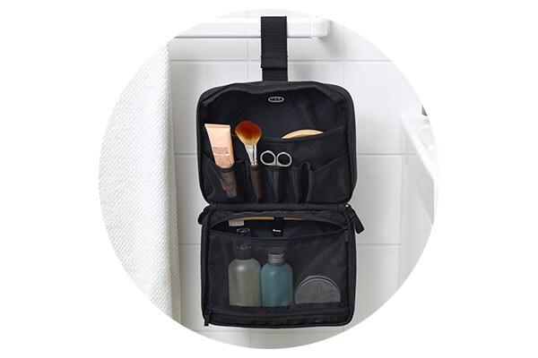 Серия ФОРФИНА для путешествий: компактные емкости для жидкостей, органайзеры для порядка в чемодане, подвешиваемая косметичка и подушка-подголовник с кармашком