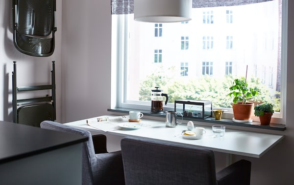 Make a space-saving dining table - IKEA