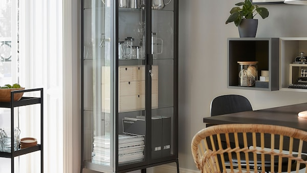Cabinets & display cabinets