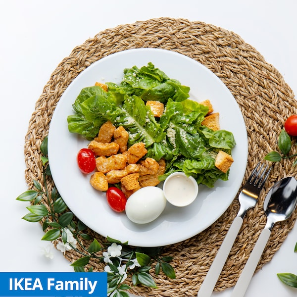 Caesar Salad with Plant-based Pieces