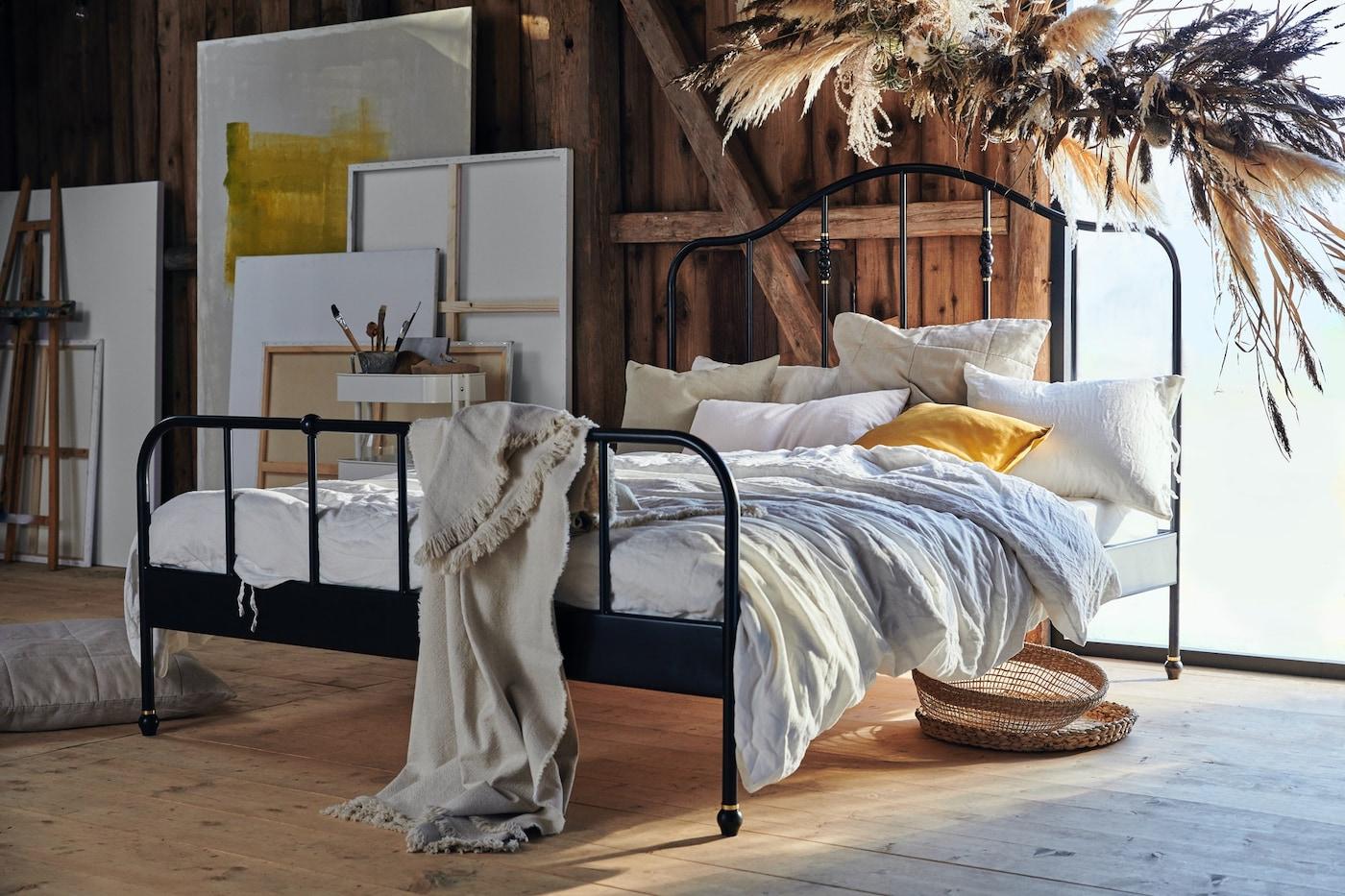¿Cama doble o cama individual? ¿Clásica o moderna? ¿Qué te parece tu nueva recámara? Nuestra galería de inspiración ofrece muchas ideas para crear una espacio de ensueño.