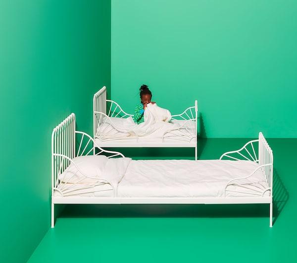 Cama extensible blanca para niños