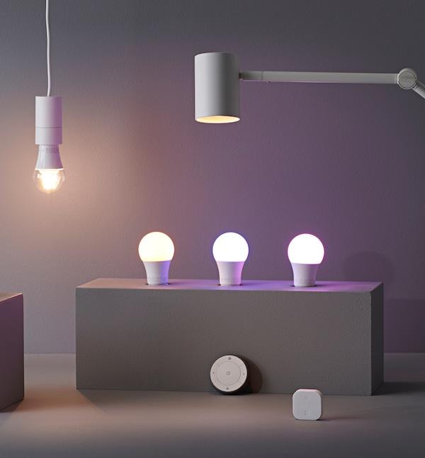 Cambia todas tus bombillas por LED para ahorrar dinero.