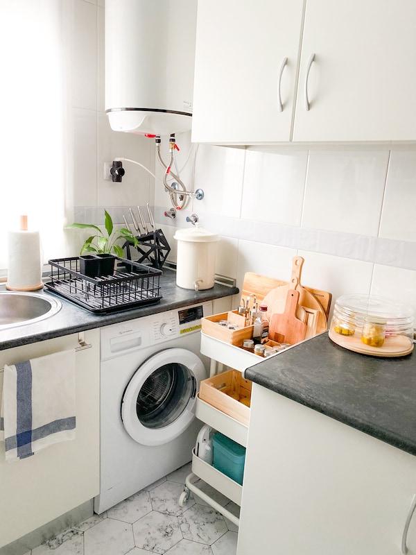 Carrito de cocina para aprovechar hueco junto a la lavadora